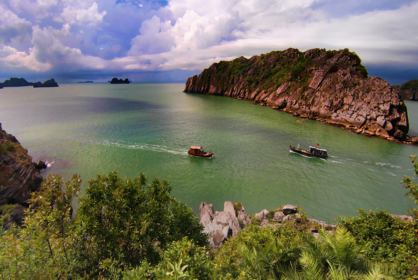 Areas in Halong Bay - Cat Ba Island, photo by Bùi Hồng Thắng