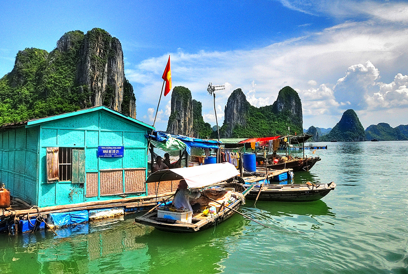 Hot news - Halong Bay's Cua Van fishing village among Top 11 World's Most Beautiful Towns