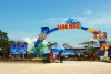 Hot news - Visitors flock to the new Halong beach (Bai Chay beach) on the Independence Day of 30th April